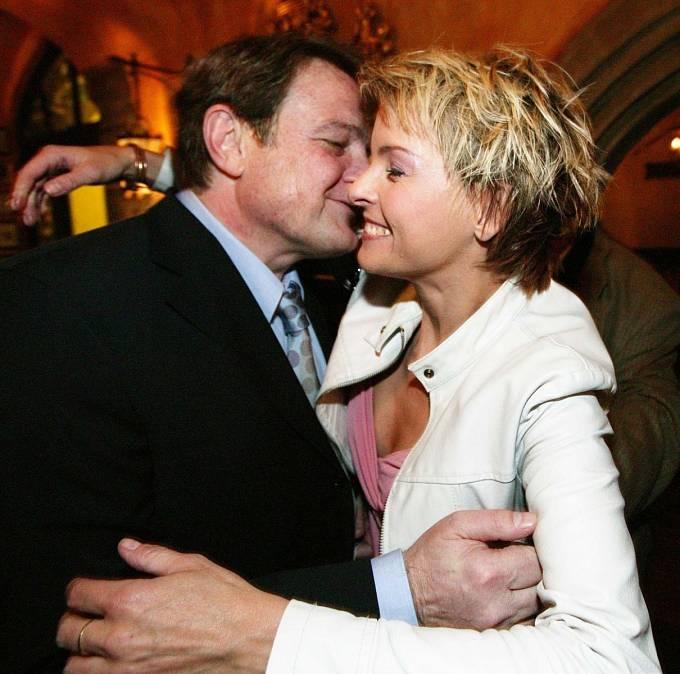 Iveta Bartošová, Ladislav Štaidl