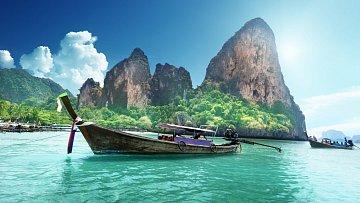 Klidné projížďky na loďkách jsou rozšířené zejména v provincii Krabi.