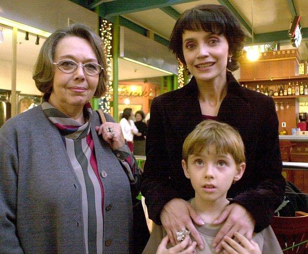 Lucie Bílá a Jiřina Jirásková se přátelily dlouho. Zde na snímku, kdy byl syn Bílé Filip ještě malý kluk.