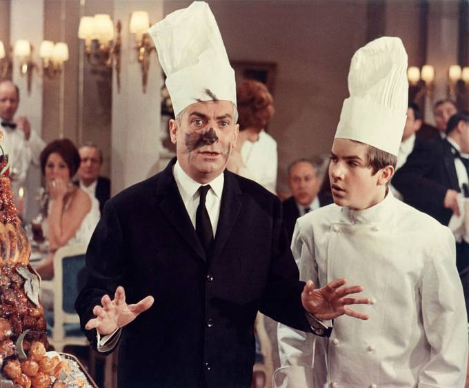 Grand restaurant pana Septima (1966). Funésovi asistoval syn Olivier.