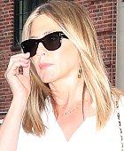 Jennifer Aniston není zrovna do smíchu.
