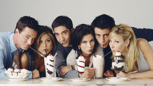 Seriál Přátelé pařil mezi oblíbené laskominy televizních diváků.
