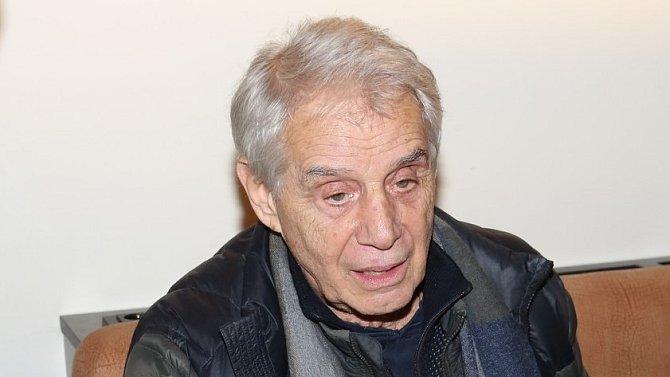 Josef Laufer už je v nemocnici rok a půl