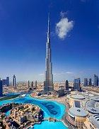 Nebeská věž Burdž Chalífa ční vysoko nad ostatními skvosty centra.