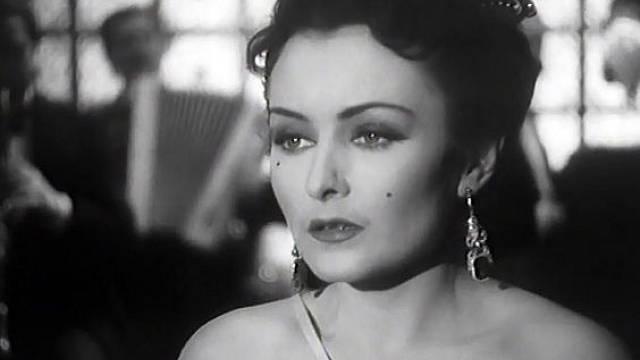 Hana Vítová ve filmu Noční motýl.