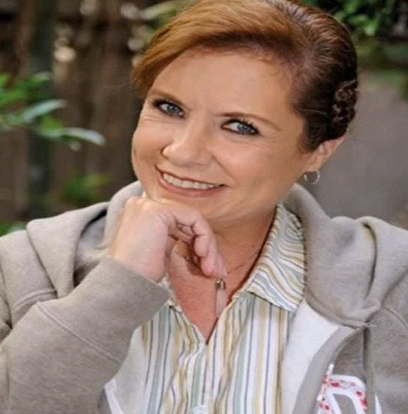 Těžko věřit, že Raquel Morell je jen o deset let starší než její seriálová dcera. Mimo to má herečka na kontě více než dvacet telenovel, které ji přinesly úspěch a peníze do konce života. Mexiko ji miluje.