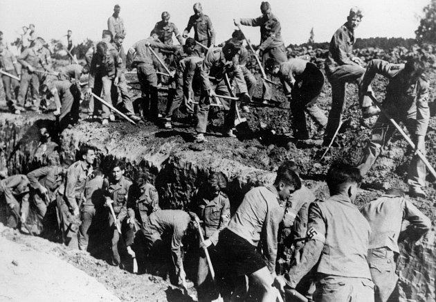 Němci pracovali na vykopávkách skoro celou válku.
