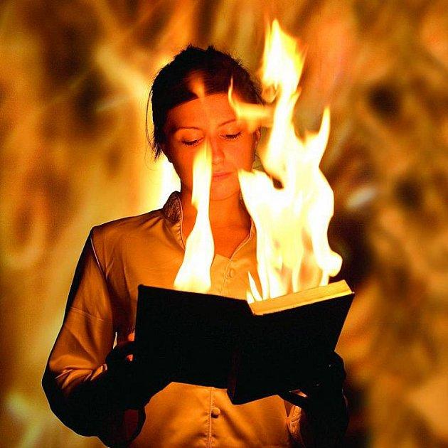 Může člověk zapálit oheň jen silou vůle?