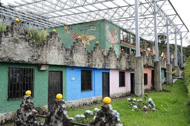 Věznice La Catedral, ze které řídil Pablo Escobar svůj drogový byznys, je dnes už jen ruinou a atrakcí pro turisty.