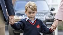 """Princ George napsal: """"Drahá babičko Diano, přeji ti krásný Den matek. Mám tě moc rád a vždy na tebe myslím. Posílám hodně lásky."""""""