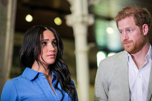 Azaměřil svou pozornost na sexy blondýnky…Meghan ale možná bude muset za jeho zájem krutě platit – její budoucnost je teď díky Lauerovi vohrožení.