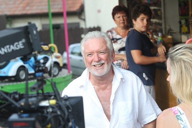 Jaromír Hanzlík na natáčení filmu Léto sgentlemanem