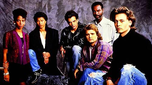 Parta ze seriálu Jump Street 21. Fanynky se často nemohly rozhodnout mezi Griecem (uprostřed) aJohnny Deppem (vpravo).
