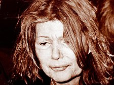 Vroce 1976ji odmítli kvůli záchvatu zuřivosti pustit do letadla.