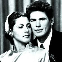 Sprvní manželkou Harriet Tendler vychoval dvě děti.