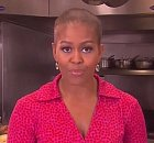První dáma USA si vlasy ostříhat nenechala.