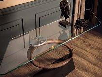 Stůl jehož design je také popírání jakýchkoli zákonů gravitace.