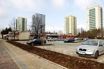 Nová stání pro téměř sedm desítek aut najdou motoristé na sídlišti Fifejdy 1.