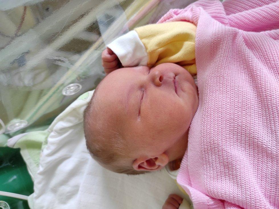 Ella Nademlejnská, Frýdek-Místek narozena 16. dubna 2021 míra 50 cm, váha 3550 g. Foto: Jana Březinová