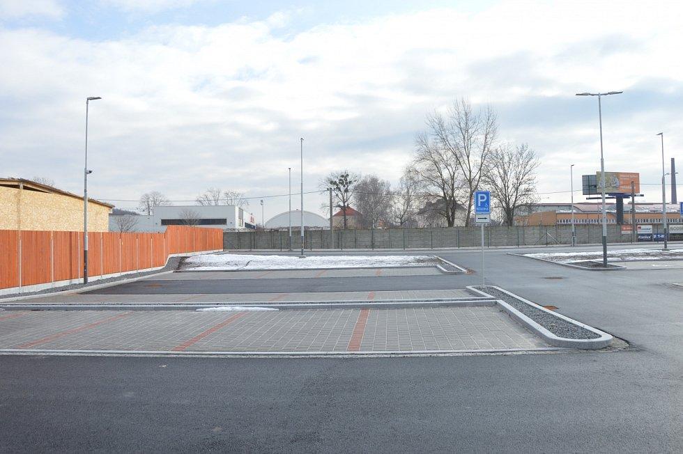 Nové parkoviště je v provozu od 4. února 2021.