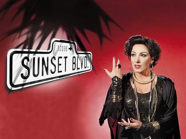 KATARÍNA HASPROVÁ jako Norma Desmond v muzikálu Sunset Boulevard.