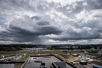 Investorem stavby řídicí věže na mošnovském letišti státní podnik Řízení letového provozu. Dokončena bude v únoru, zahájení provozu je v plánu na duben.