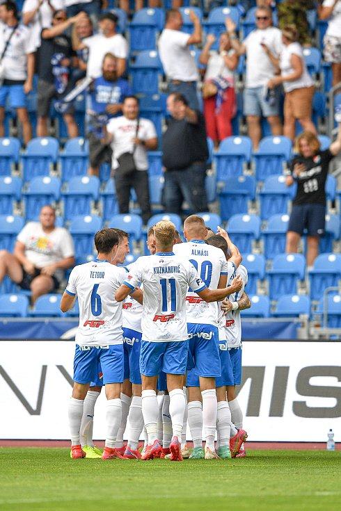 Utkání 2. kola první fotbalové ligy: Baník Ostrava - Fastav Zlín, 1. srpna 2021 v Ostravě. Baník se raduje z gólu (autor branky ve středu Collins Yira Sor z Ostravy).