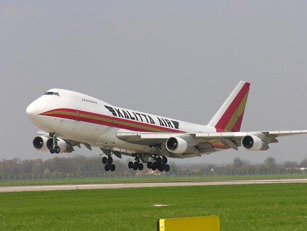 Nákladní letoun Boeing 747 na ostravském letišti v Mošnově