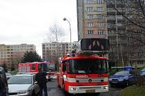 K požáru bytu v panelovém domu v Ostravě-Dubině o Štědrém dnu vyjeli hasiči ze stanic Ostrava–Zábřeh a Ostrava–Hrabůvka.