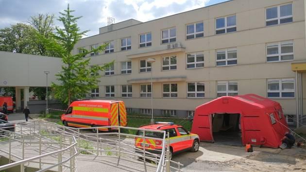 Hasiči ve středu dekontaminují část Městské nemocnice Ostrava.