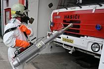 Generátor teplé mlhy mohou nově používat hasiči ze Slezské Ostravy.