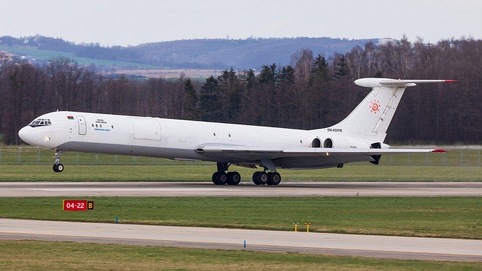 Na letišti v Mošnově přistál již velmi vzácný Iljušin Il-62.