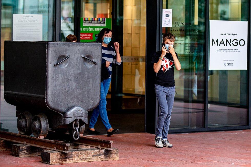 Situace v Ostravě v sobotu 18. července 2020, den poté, co v celém Moravskoslezském kraji opět začala platit povinnost nosit roušku v MHD a vnitřních prostorách.