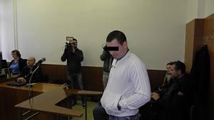 Soud v Ostravě řeší brutální napadení v tramvaji