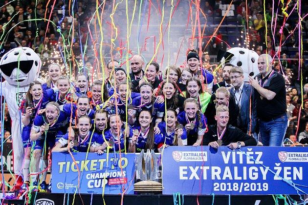 Superfinále play off extraligy žen - 1.SC TEMPISH Vítkovice - FAT PIPE Florbal Chodov, 14.dubna 2019vOstravě. Na snímku radost Vítkovic.