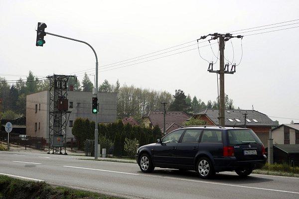 Na radarovém semaforu naskočí zelená jen tehdy, pokud řidič dodrží předepsanou rychlost.