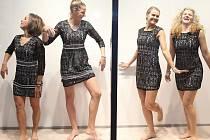 České tenistky si v ostravské prodejně firmy Steilmann vybíraly společenské šaty na slavnostní banket před zápasem se Španělskem. Řádně se u toho bavily a zapózovaly ve výloze. Zleva Barbora Strýcová, Karolína Plíšková, Lucie Šafářová a Kateřina Siniaková