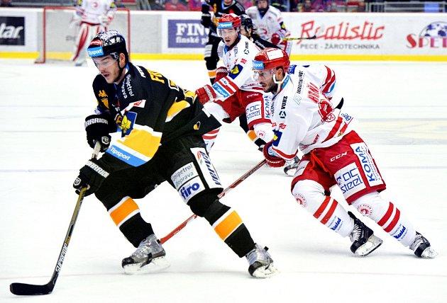 Třinečtí hokejisté porazili mistrovský Litvínov.