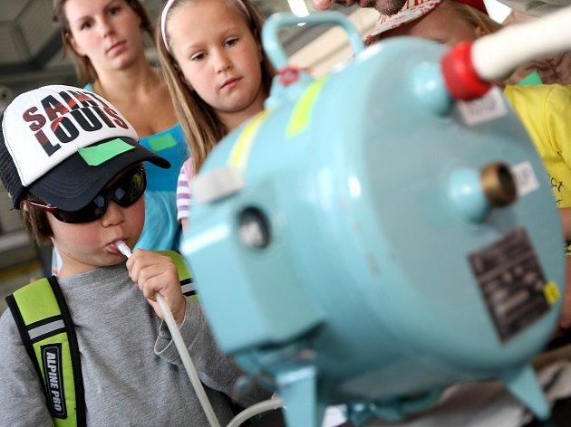 Příměstský tábor, kde si děti mohli vyzkoušet nejrůznější pokusy jako v laboratoři.