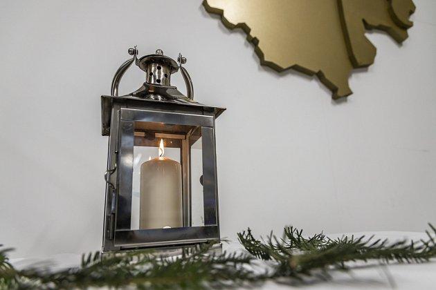 Betlémské světlo dorazilo kostravskému primátorovi.