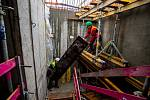 Výstavba nových rezidenčních bytů na Nové Karolíně, 31. října 2020 v Ostravě.