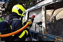 Zásah ostravských hasičů u požáru dodávky.