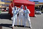 Kolegové o Monice Stejskalové ze Staré Bělé říkají, že je prý nejmladší moravskoslezskou zdravotnicí pomáhající v boji s koronavirem.