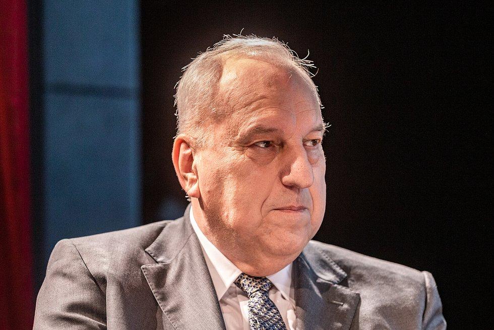 Veřejná debata ostravských primátorů, kteří stáli v čele města po roce 1990, 7. listopadu 2019 v Ostravě. Evžen Tošenovský.