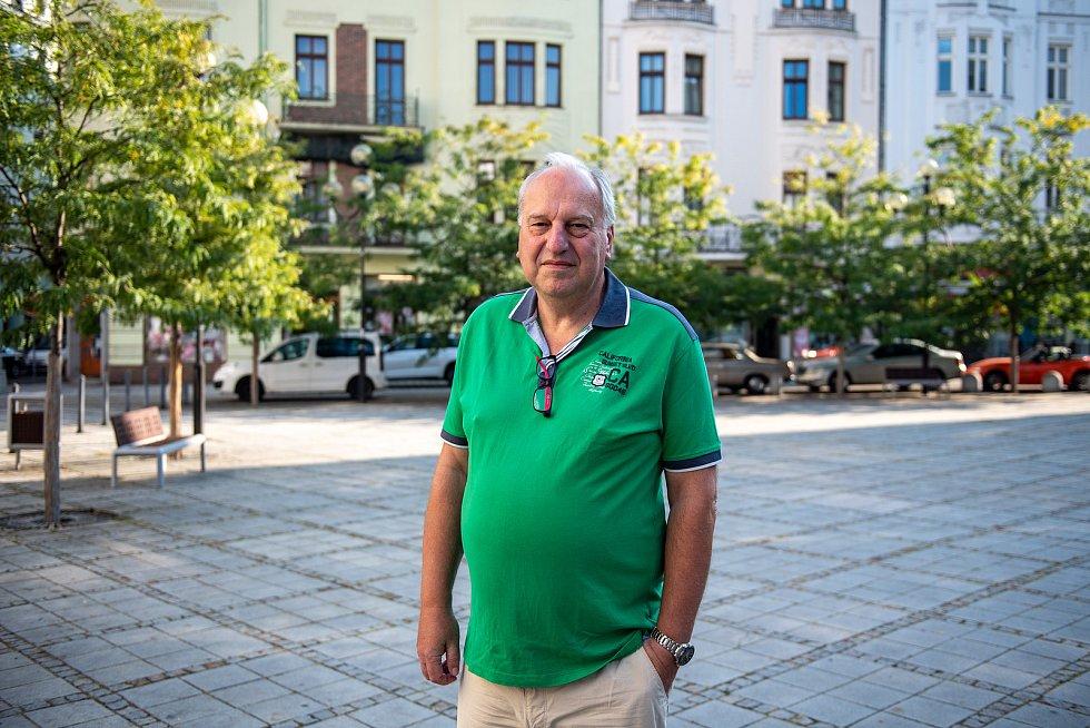 Politik Evžen Tošenovský při rozhovoru a focení pro Deník, srpen 2020.