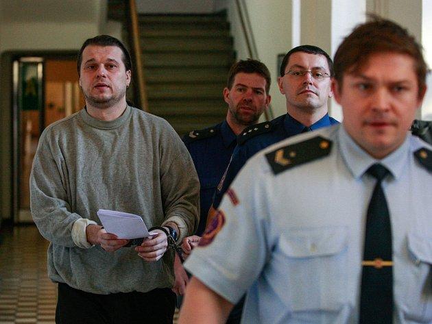 Před ostravským krajským soudem v úterý stanul Vlastimil Hýža – údajný obchodník s medikamenty.