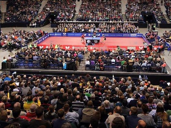 5492 fanoušků se na konci února 2015 přišlo do hamburské O2 Arény podívat na duel ve stolním tenisu. Dočkáme se jednou něčeho podobného také v České republice?