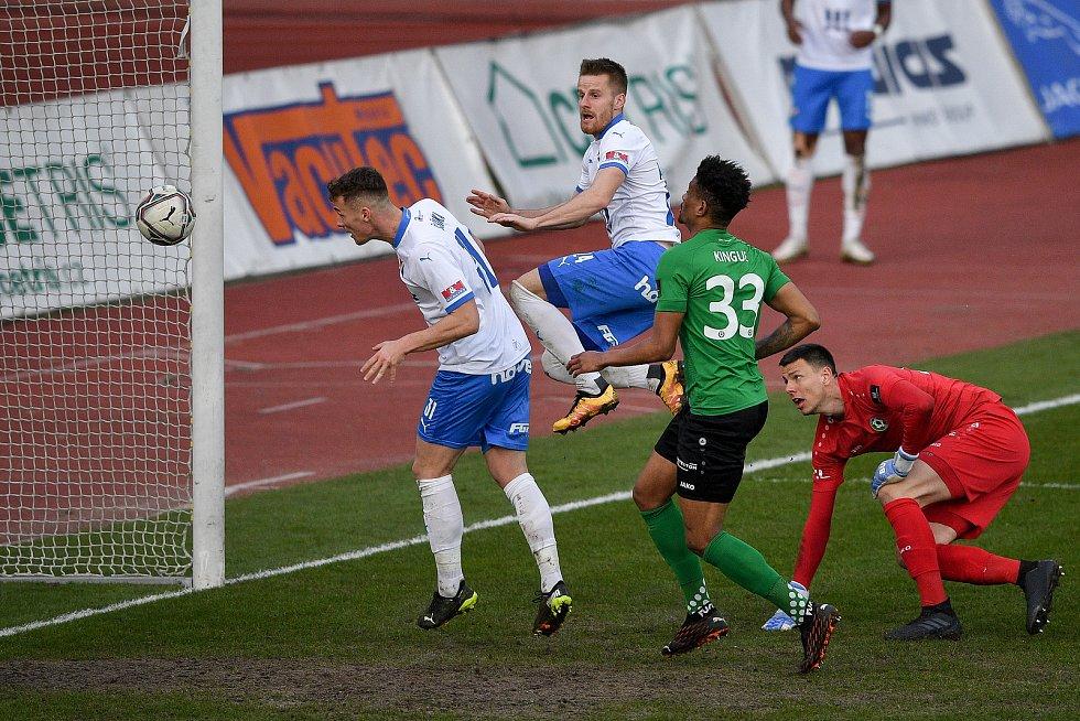 Utkání 23. kola první fotbalové ligy: FC Baník Ostrava – 1. FK Příbram, 13. března 2021 v Ostravě. (vlevo) Ondřej Šašinka z Ostravy dává gól.