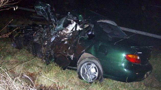 Řidič tohoto vozu zahynul při nehodě u Petřvaldu na Novojičínsku