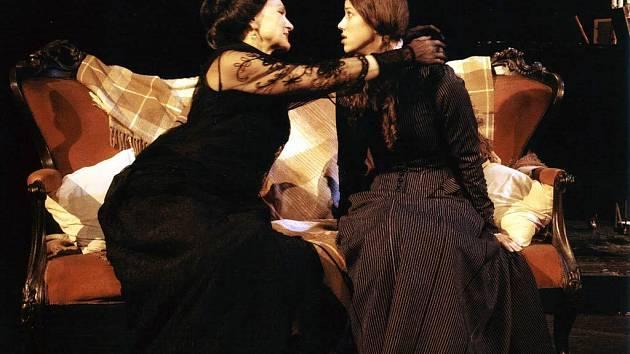 Inscenace hry Kate Atkinsonové Ostatní světy v české premiéře na scéně Divadla Jiřího Myrona